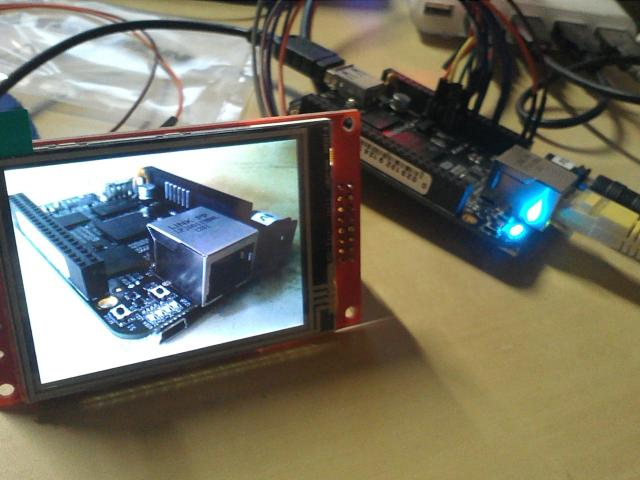 BeagleBone Black showing an image in Watterott LCD